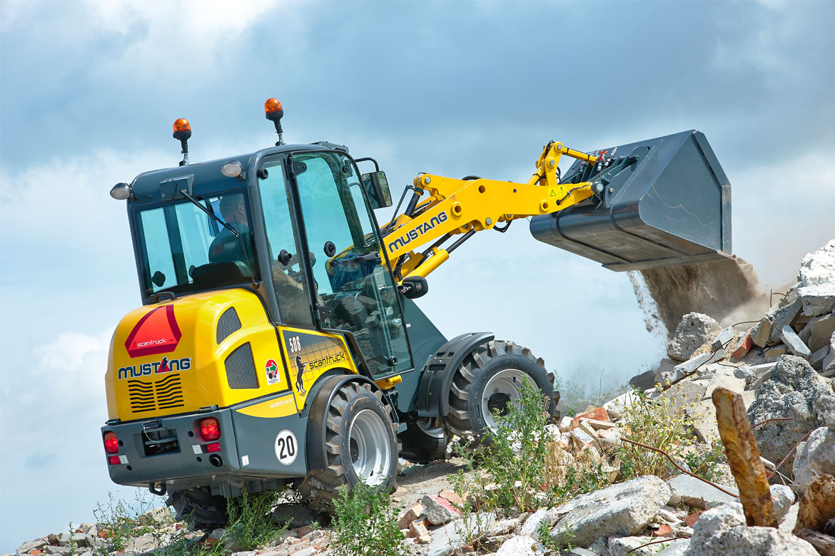 Mustang machines - articulated and skid steer mini loaders